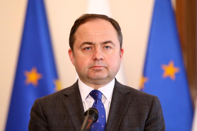 Konrad Szymański: Ostateczną odpowiedzią ws. uchodźców będzie referendum /Stanisław Kowalczuk /East News