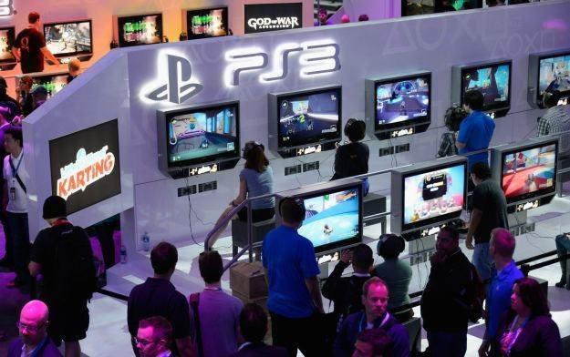 Konsola PlayStation 3 - po 6 latach od premiery - w końcu zadebiutowała na chińskim rynku /AFP