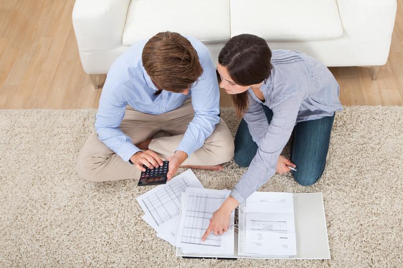 Konsumenci spłacający wcześniej kredyt konsumencki lub pożyczkę powinni domagać się  proporcjonalnego zwrotu pobranych opłat i prowizji /123RF/PICSEL