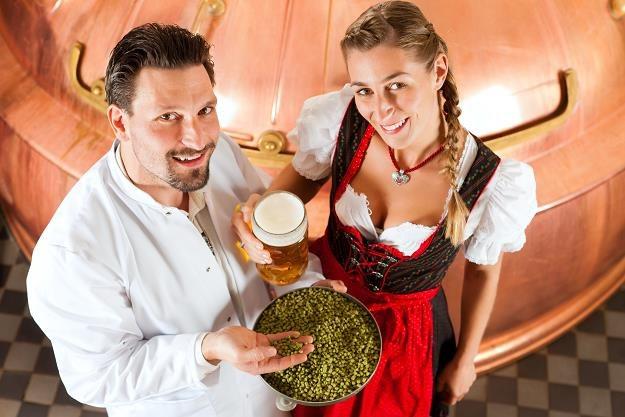 Konsument dostaje tańsze i mocniejsze piwo. Powinien więc być zadowolony... /©123RF/PICSEL