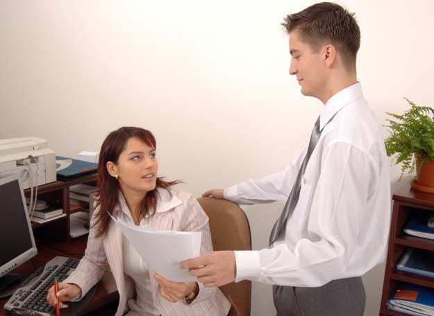 Kontakty z byłym partnerem mogą stać się powodem decyzji o zmianie pracy