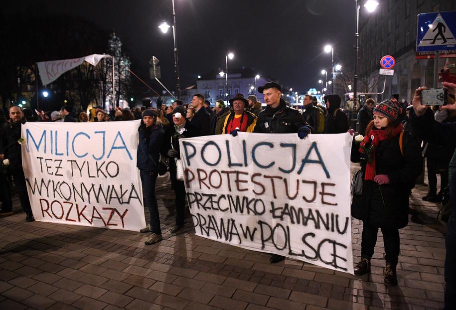 Kontrmanifestacja smoleńska /Radek Pietruszka /PAP