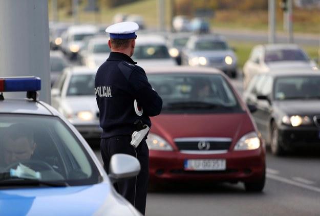 Kontrola policji/ zdjęcie ilustracyjne /Tomasz RYTYCH /Reporter