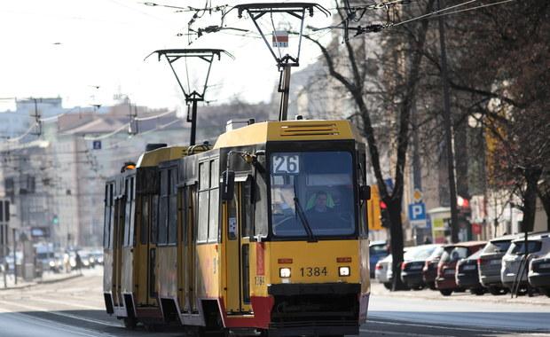 Kontrola przepełnionych autobusów i tramwajów? Jak to wygląda w praktyce