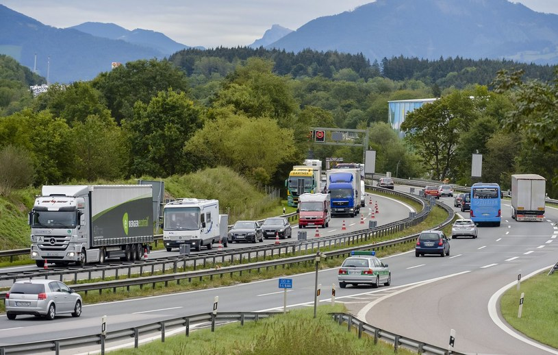 Kontrole na granicy austriacko-niemieckiej /GUENTER SCHIFFMANN /AFP