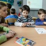 Kontrowersyjne pomysły MEN. Sześciolatki będą cofane do przedszkola?