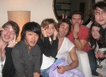 Kontrowersyjne (?) zdjęcie z Miley Cyrus /