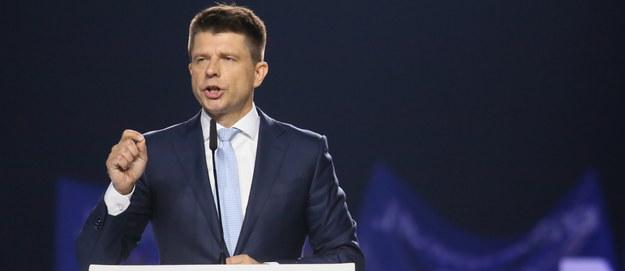 Konwencja Nowoczesnej w Warszawie. Petru: Zastąpimy program 500+