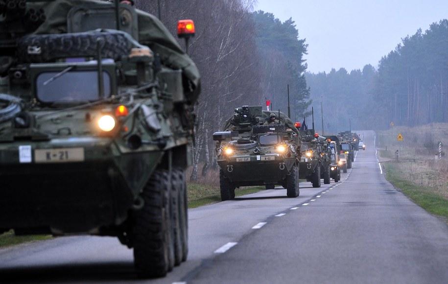 Konwój amerykańskich kawalerzystów po opuszczeniu Poligonu Drawskiego. Zdjęcie ilustracyjne /Marcin Bielecki /PAP