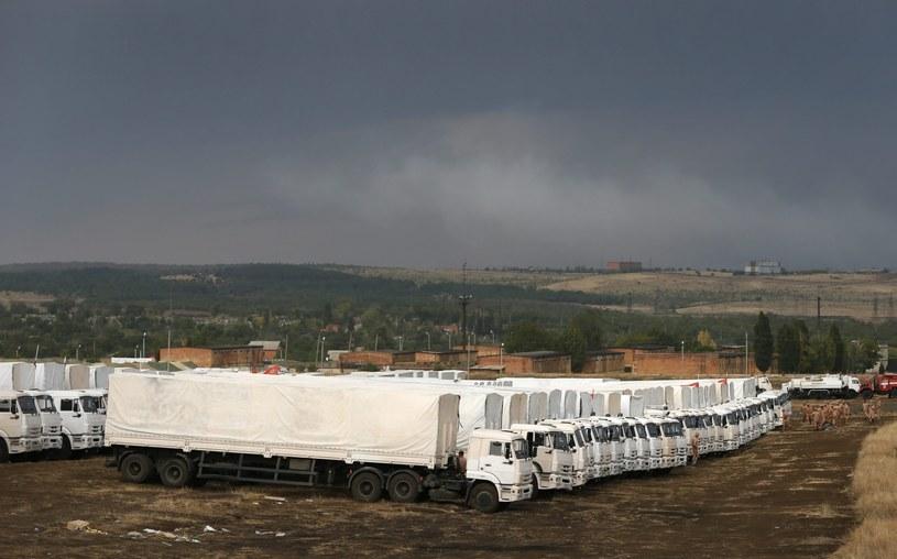 Konwój od tygodnia stoi na granicy rosyjsko-ukraińskiej /PAP/EPA