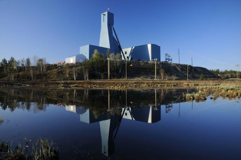 Kopania Totten Mine w Sudbury w kanadyjskim Ontario, gdzie uwięzieni są górnicy /All Canada Photos /East News