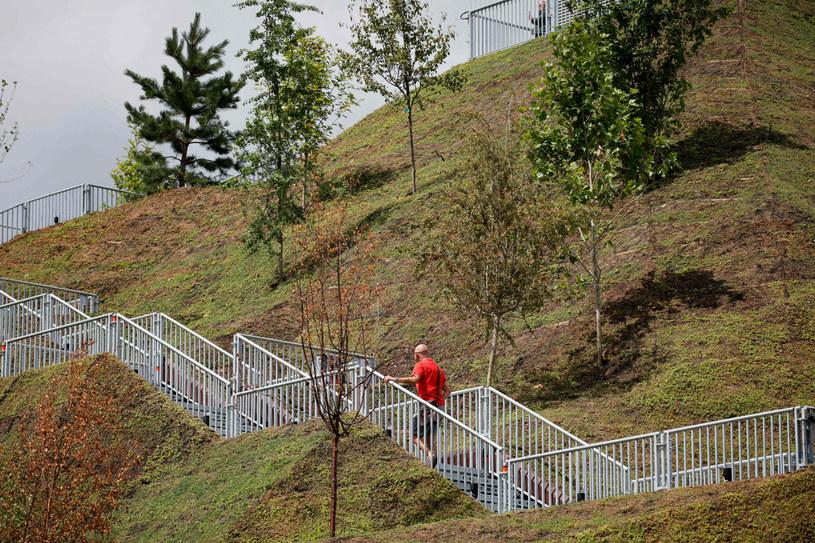 Kopiec Marble Arch Mound spotkał się z ogromną krytyką /TOLGA AKMEN/AFP/East News /East News