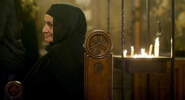 Koptyjska kobieta podczas niedzielnej mszy świętej w Kairze /AFP