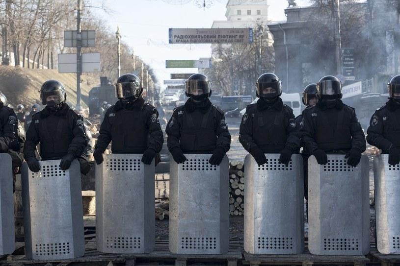 Kordon milicji podczas protestów w Kijowie /Łukasz Zakrzewski /Reporter