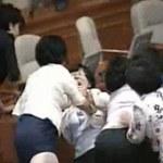 Korea: Bijatyka w parlamencie, przyjechała karetka