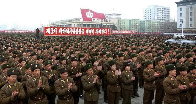 Korea Płn. grozi swoim południowym sąsiadom całkowitym zniszczeniem /AFP