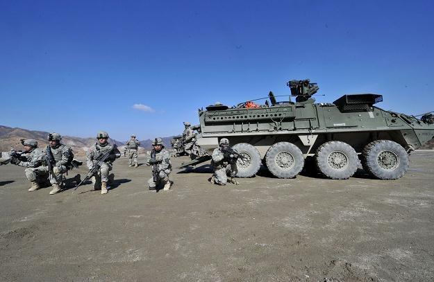 """Korea Płn. """"nie lubi"""" manewrów w pobliżu jej granicy /AFP"""