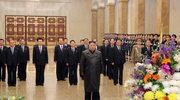 Korea Północna: Kim Dzong Un złożył hołd swojemu ojcu