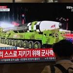 Korea Północna pochwaliła się największym na świecie pociskiem balistycznym