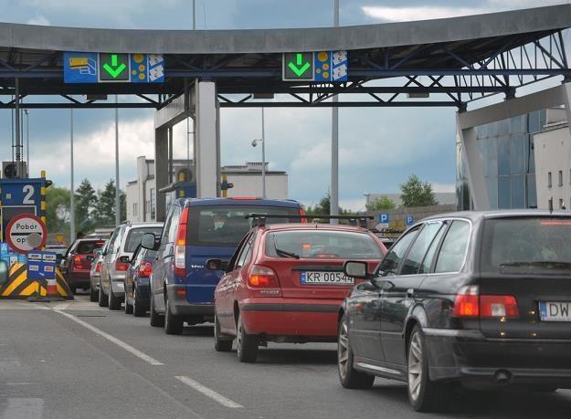 Korki przed bramkami na A4 to norma. Fot: Lech Gawuć /Reporter
