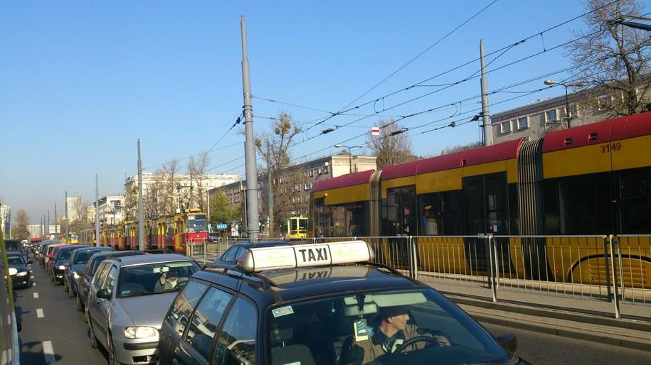 Korki w stolicy po wypadku na torowisku /Kamil Młodawski /RMF FM