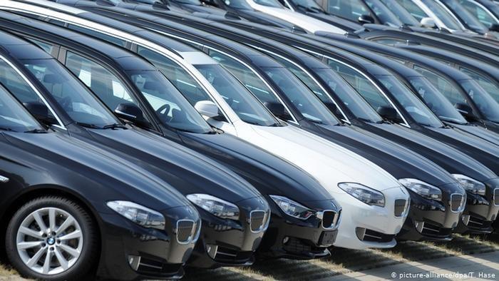 Koronakryzys dał się we znaki niemieckiemu rynkowi samochodowemu. Eksperci przewidują rekordowy spadek sprzedaży /Deutsche Welle