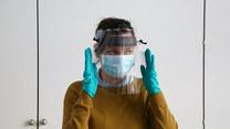 Koronawirus. Brytyjska Mennica Królewska produkuje przyłbice dla szpitali