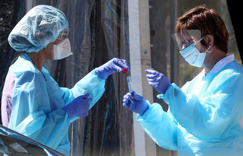 Koronawirus daje o sobie znać najbardziej w Stanach Zjednoczonych /AFP