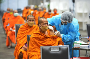 Koronawirus. Ile procent ludzi na świecie się zaszczepiło? Najnowsze dane