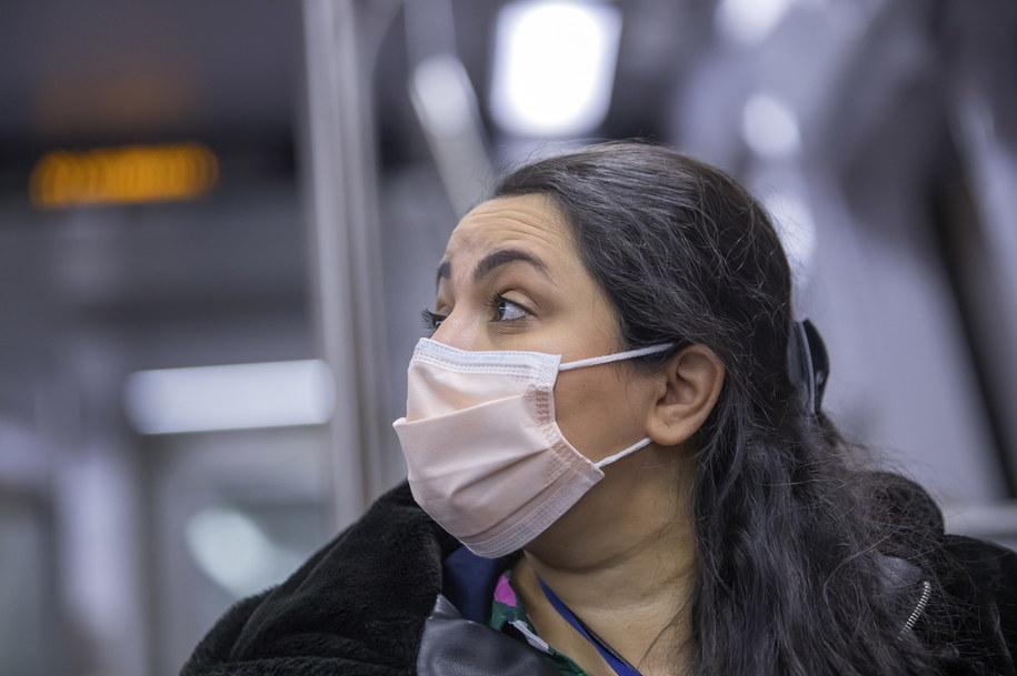 """""""Koronawirus jest jak rozpędzony pociąg, nie można go zatrzymać"""" /ERIK S. LESSER /PAP/EPA"""