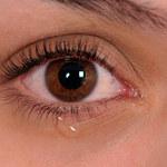 Koronawirus może być obecny we łzach