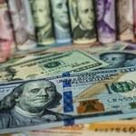 Koronawirus na świecie: Kurs dolara zachęca do ryzyka