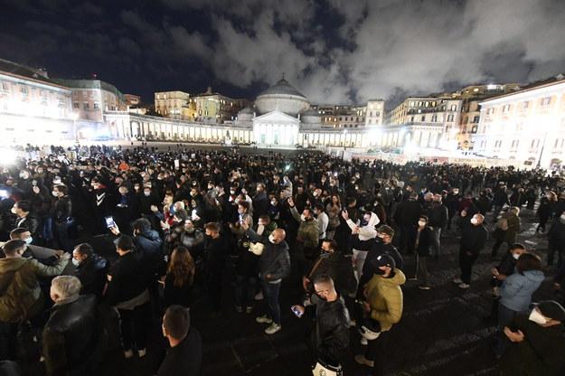 """Koronawirus. Protesty we Włoszech, Niemcy planują """"lockdown light"""" [RAPORT]"""