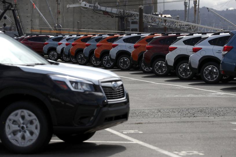 Koronawirus sparaliżował sprzedaż i produkcję samochodów /Getty Images