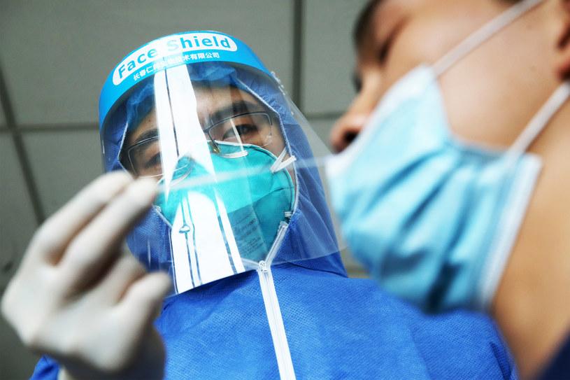 Koronawirus w Chinach, zdj. ilustracyjne /Costfoto/Barcroft Media /Getty Images