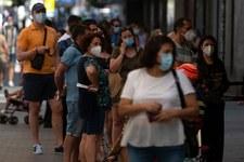 Koronawirus w Hiszpanii: Rząd rozważa powrót do lockdownu. Kolejne restrykcje w regionach