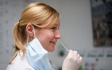 Koronawirus w Niemczech. 25 euro za pięć testów od soboty w dyskoncie