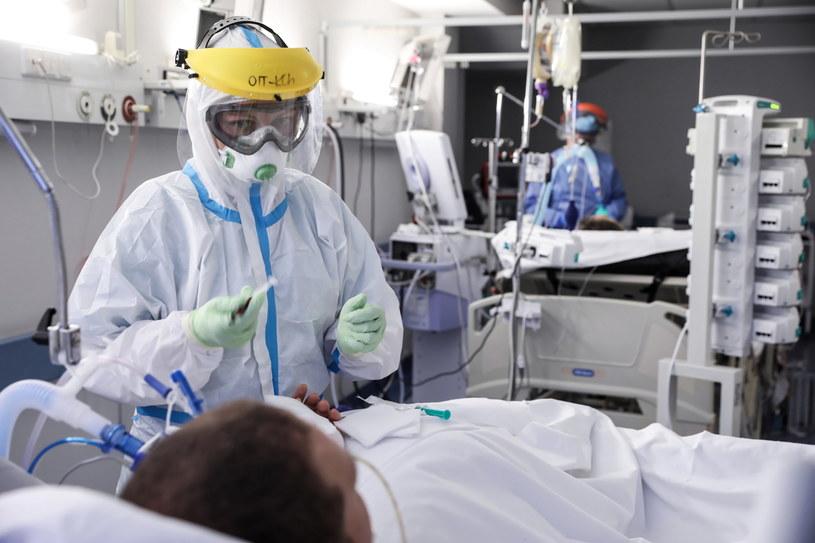 Koronawirus w Polsce. Centrum Terapii Pozaustrojowej Centralnego Szpitala Klinicznego MSWiA w Warszawie / Leszek Szymański    /PAP