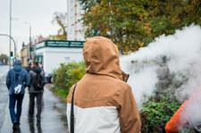 """<a href=""""https://wydarzenia.interia.pl/raporty/raport-koronawirus-chiny/polska/news-koronawirus-w-polsce-czy-mozna-jesc-na-ulicy-czy-mozna-zapal,nId,4794346"""">Koronawirus w Polsce. Czy można jeść na ulicy? Czy można zapalić papierosa?</a> thumbnail  &#8220;Zwycięstwo&#8221;. Tanzania wolna od koronawirusa? 000AL5VN3QETW5YG C307"""