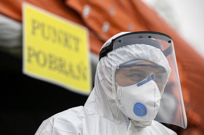 Koronawirus w Polsce. Jesienią każdego dnia do lekarzy może trafić 100 tys. osób /Grzegorz Bukała/REPORTER /East News