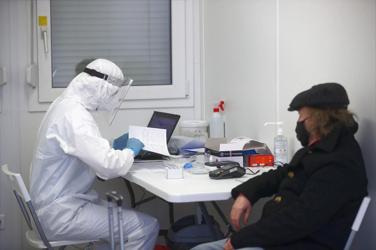 Koronawirus w Polsce. Ponad 4,6 tys. nowych zakażeń [NOWE DANE]