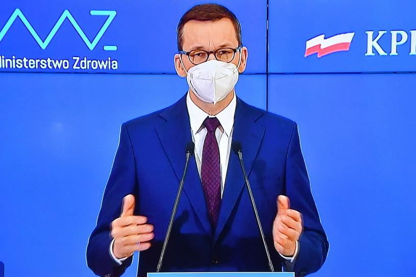 Koronawirus w Polsce. Premier Mateusz Morawiecki podczas konferencji prasowej / Radek Pietruszka   /PAP