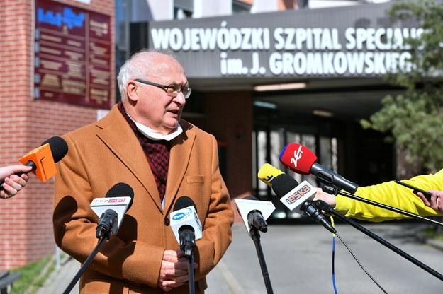 Koronawirus w Polsce. Prof. Simon: Ludzie się awanturują, bo uważają, że epidemii nie ma