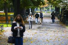 """<a href=""""https://wydarzenia.interia.pl/raporty/raport-koronawirus-chiny/polska/news-koronawirus-w-polsce-raport-ministerstwa-zdrowia-z-18-pazdzi,nId,4800267"""">Koronawirus w Polsce. Raport Ministerstwa Zdrowia z 18 października</a> thumbnail  Chory na COVID-19 Jerzy Polaczek w poważnym stanie 000ALL7SLXWR5FPA C307"""