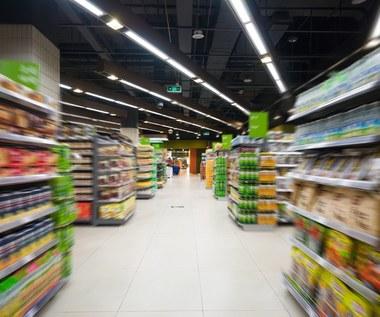 Koronawirus w Polsce. Rząd rozważa zmianę limitu klientów w sklepach i godzin dla seniorów
