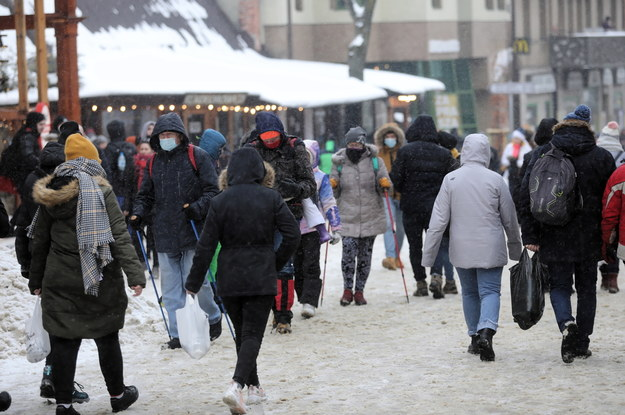 Koronawirus w Polsce. Turyści na Krupówkach w Zakopanem / Grzegorz Momot    /PAP