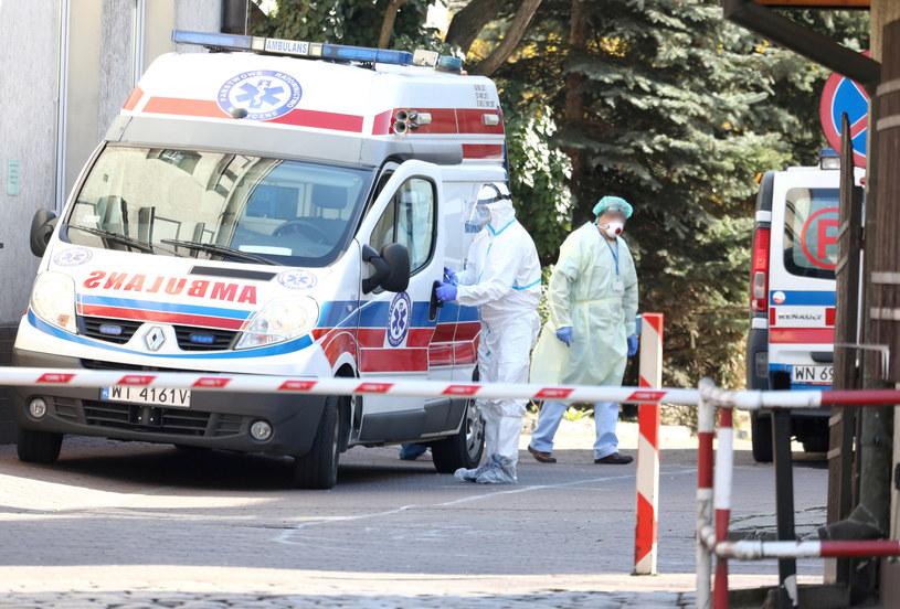 Koronawirus w Polsce /Piotr Molecki /East News