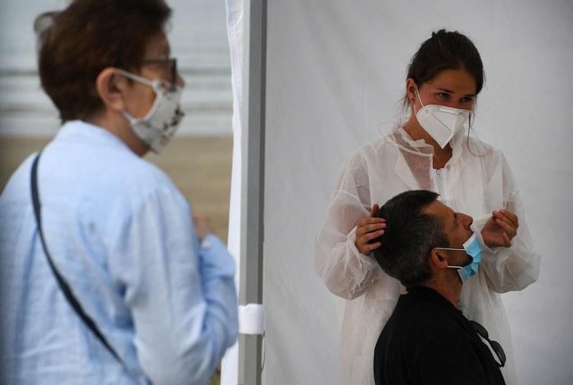Koronawirus we Francji /AFP