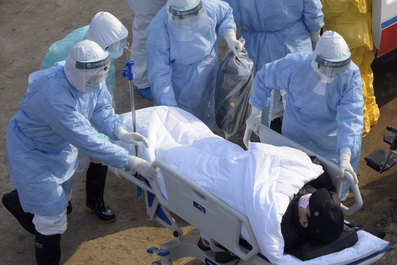 Koronawirus z Chin spowodował śmierć już ponad 400 osób, zdj. ilustracyjne /Liu Fang/Xinhua News /East News