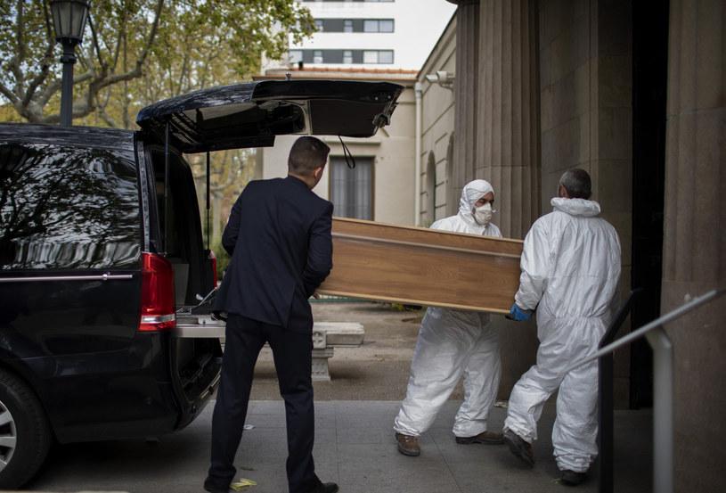 Koronawirus zbiera w Hiszpanii śmiertelne żniwo /AP/Associated Press /East News